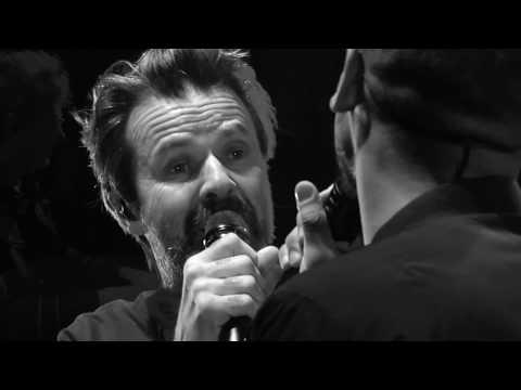 JARABE DE PALO - LA FLACA feat. MANUEL MEDRANO (Live)