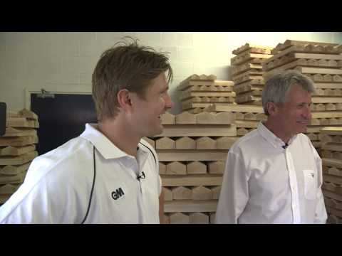 Shane Watson visits GM factory to collect his Ashes bat