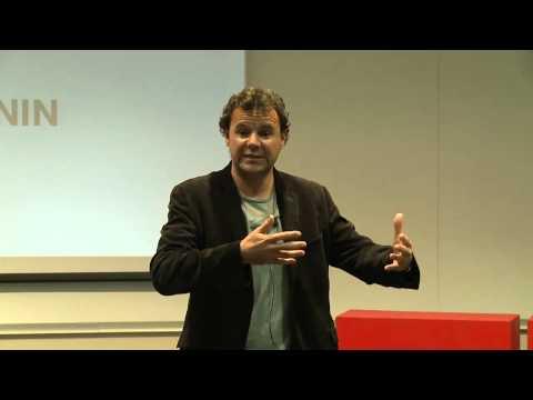 Adapter le droit d'auteur à l'économie numérique : Julien Pénin at TEDxStrasbourgUniversité