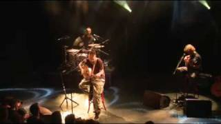 Fink - Sort of Revolution (Live @ Alhambra, Paris 2009)