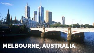 MELBOURNE | CITY TOUR, SECRET BARS, STREET ART AND VEGAN RESTAURANTS.