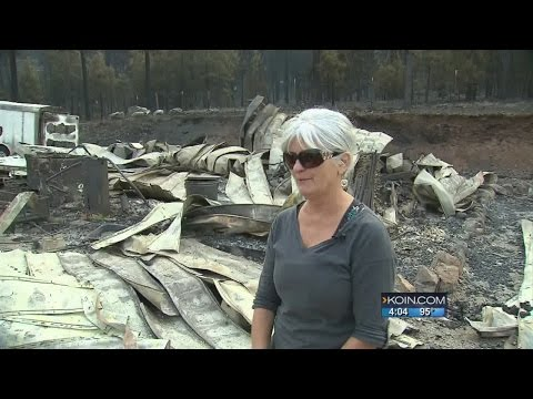 Gov. Brown visits with victims of John Day fire