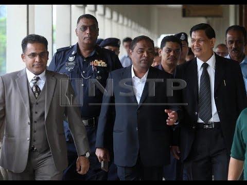 Azeez Rahim, abang mengaku tidak bersalah tuduhan rasuah dan pengubahan wang haram