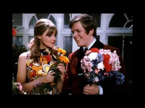 Mrs  Brown, You've Got A Lovely Daughter (Trevor Peacock cover) - Glenn Basham and Mark Taylor