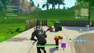 Fortnite T-Rex Emote Scares Default Skin!