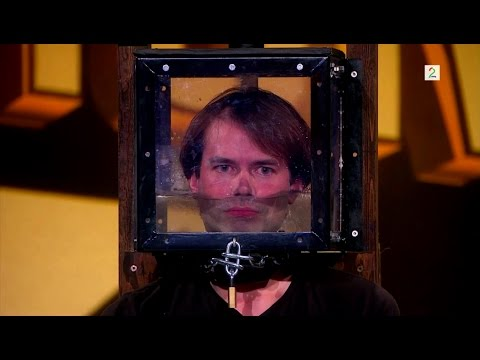 Locked Up Escape Artist Holds His Breath for 4 minutes on Norway's Got Talent. (Norske Talenter)