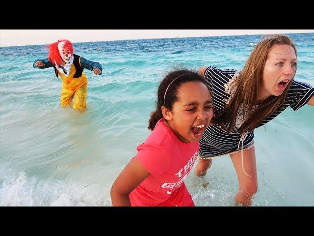 CREEPY CLOWN ON THE BEACH!!