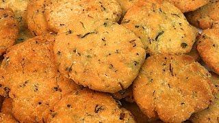 सूजी धनिया की खस्ता कुरकुरी मठरी I Khasta Dhaniya Mathri I Diwali Snack Recipe