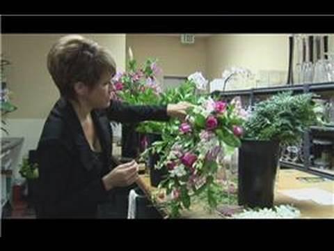 Bridal Bouquet Ideas  Instructions for a Cascade Bridal