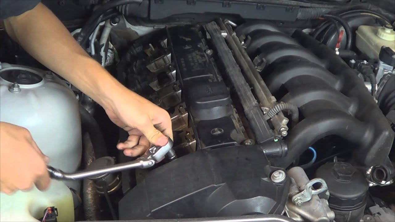 How To Replace The Valve Cover Gasket On Bmw E36 By