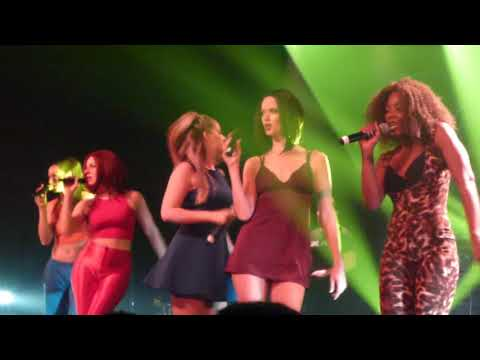 Wannabe (Spice Girls Tribute) - 2 Become 1/The Lady Is A Vamp (Live In Montreal)