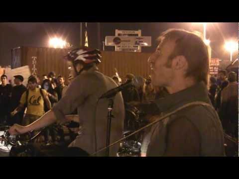 "Occupy Oakland, Port Shut Down, 11.2.11, ""BE MY OWN RADIO"""