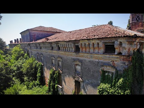 Abandoned Italian Renaissance Palace of the Royal Family Donelly *Everything Left Behind*