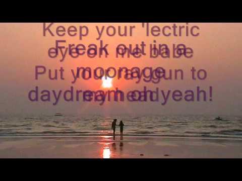 David Bowie - Moonage Daydream (araoke)
