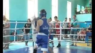 Соревнуются юные боксёры(В минувшую субботу, 17 мая 2014 года, в спортивном зале Чугуевской детско-юношеской спортивной школы состоялся..., 2014-05-24T16:56:40.000Z)