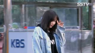 Download Video 170310 Taeyeon - KBS  building for Music Bank(4 in 1) MP3 3GP MP4