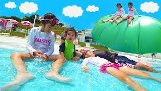 Kan & Aki グリーンランドのプールで遊んだよ♪ thumbnail