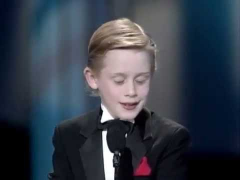 Macaulay Culkin opens the 17th Annual People's Choice Awards