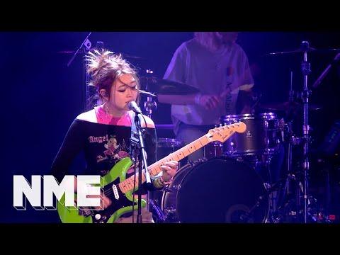 Beabadoobee performs 'She Plays Bass' at NME Awards 2020