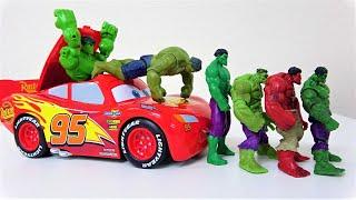 ハルク、スパイダーマン、アイアンマン、スーパーマン! スーパーヒーローがディズニーカーズライトニングマックィーンキャリーケースから飛び出します