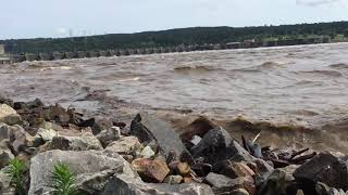 Arkansas River Flooding below Dardanelle Dam...that is not thunder, it is the sound of water!