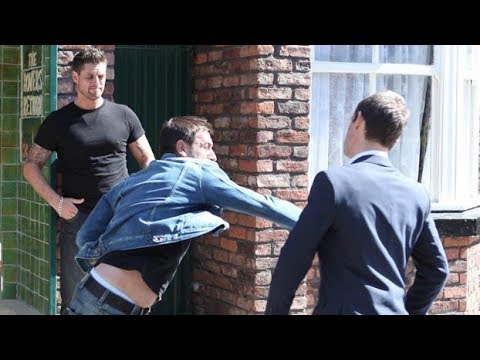 Coronation Street - Peter Barlow Punches Nick Tilsley (16th August 2010 Episode 1 & 2)