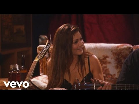 Gretchen Wilson - Tonight the Bottle Let Me Down (from Undressed (Live))