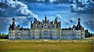 The World's Most Beautiful Royal Palaces