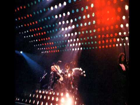 Слушать песню Queen - Don't Stop Me Now (PiotreQ Live Remix)