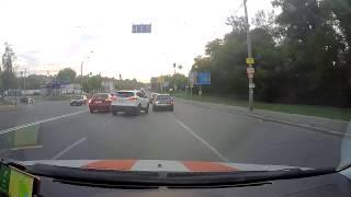 В Киеве Nissan Qashqai едва не устроил ДТП