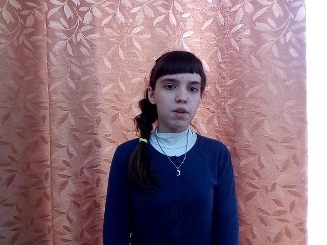 Изображение предпросмотра прочтения – МаринаГайнутдинова читает произведение «Стихотворение Майор привез мальчишку на лафете» К.М.Симонова