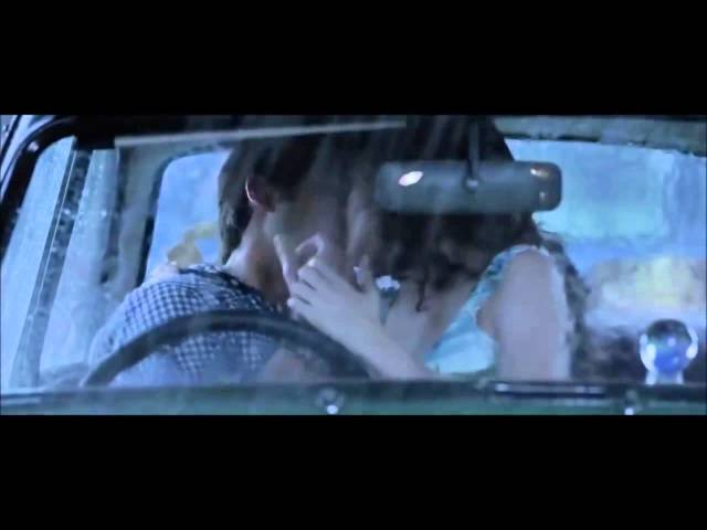 Anushka Sharma kiss