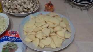 Приготовление жареного картофеля с грибами и луком. Вкусно и быстро.