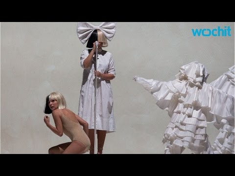 Ellen DeGeneres And Heidi Klum Perform As Sia And Maddie Ziegler For Halloween