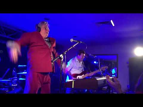 The Nips Are Getting Bigger - Mental As Anything