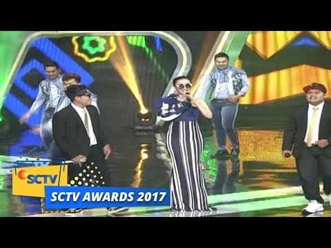 SCTV Awards 2017: Zaskia Gotik dan Pendhoza - Tarik Selimut dan Bojo Galak