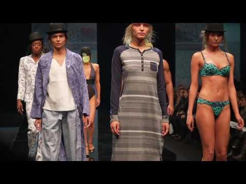 """Fashion Show """"ARTIST'S STUDIO"""" FW17 Salon International de la Lingerie"""