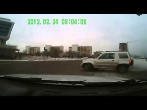 New Best Car Crash Compilation   Подборка аварий и ДТП февраль 2013 1)
