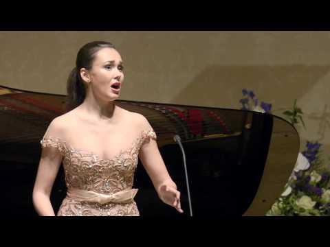 Aida Garifullina - RIMSKY-KORSAKOV S podruzhkami po jagodu khodit' (The Snow Maiden)