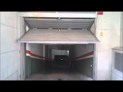 Puerta parking con motor anti-aplastamiento
