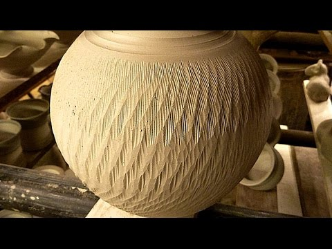 Simple Textured Pottery Decoration Techniques Chattering