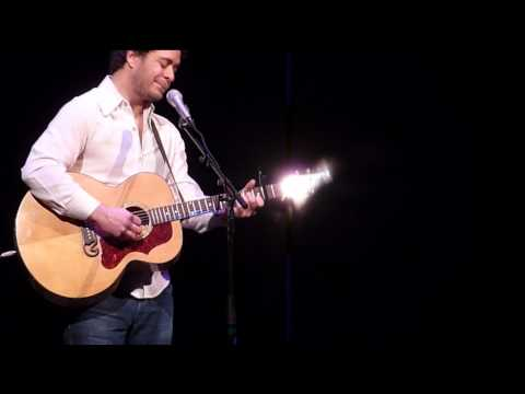 "Amos Lee LIVE ""Hang Me Oh Hang Me""/ ""I'be Been All Around This World"" (cover) Buell Theater Denver"