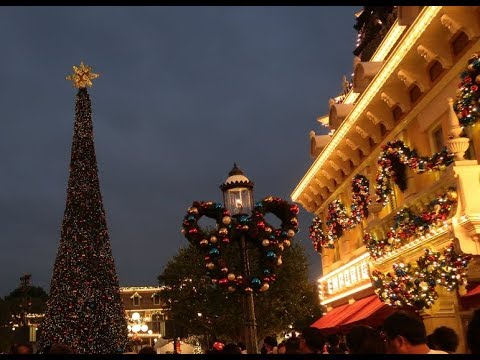 Christmas time at Disneyland Hong Kong part2