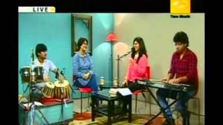 MADHURAA rendering Live JA JA BEHAYA PAKHI (BOU KOTHA KOW) from the film Dhanni Meye