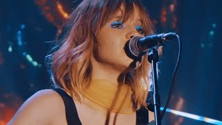 Смотреть клип Gabrielle Aplin -  Coming Home (Live)