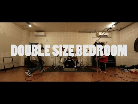 DOUBLE SIZE BEDROOM 『まるくなった』