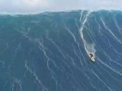 AMAZING SURF ON A HURRICANE WAVE