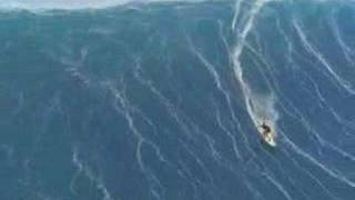 AMAZING SURF ON A HURRICANE WAVE