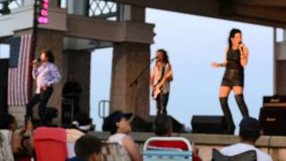 Starship Featuring Mickey Thomas - Nothing's Gonna Stop Us Now - 7/19/2013