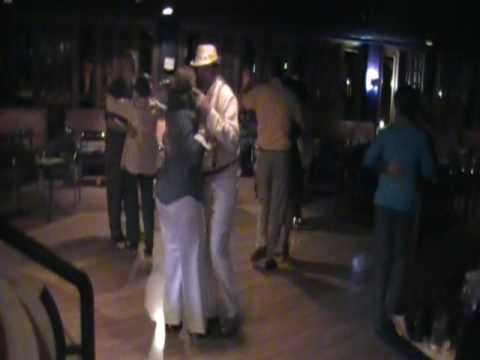 Cuqui & Damarys bailando SON en el club arroyo hondo, Rep. Dom.